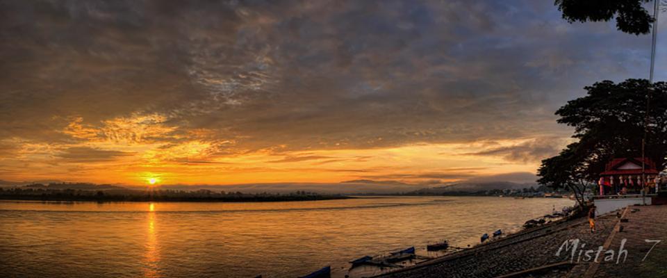 Sunset over Mae Nam Kong